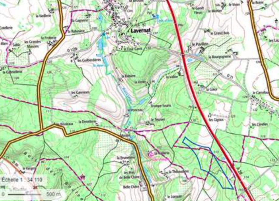 Figure 2. Zone étudiée pour le projet d'extension du parc éolien de Lavernat - en bleu (EGN,2020)